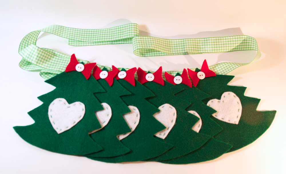 christmas tree bunting free pattern and instructions