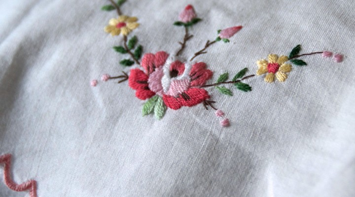Make your own vintage inspired DIY pillow case