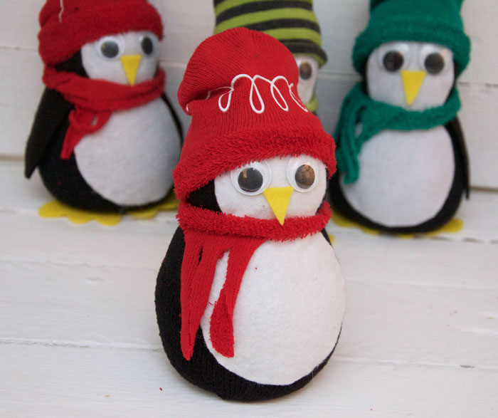 no sew sock penguin craft penguin no sew tutorial miss patterns 6962