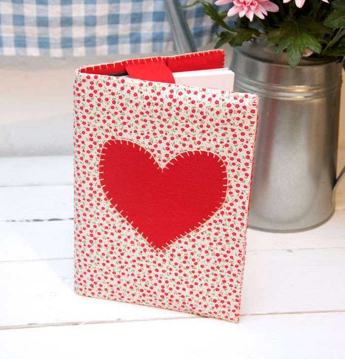 Appliqué Heart Notebook Cover A5 – Free Pattern