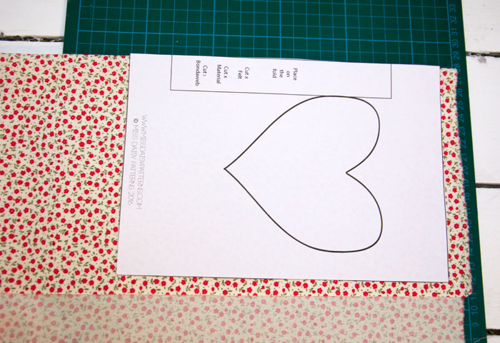 Heart Notebook Cover A5 - Free Pattern