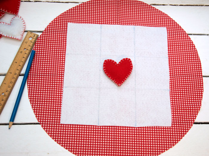 hearts tic tac toe free pattern and tutorial