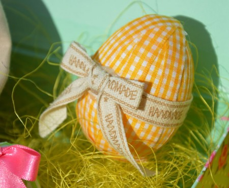 Small No-Sew Fabric Easter Eggs