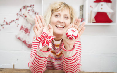 Easy DIY Christmas Baubles from a Sweater – Free Patterns